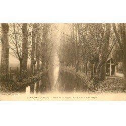 carte postale ancienne 78 HOUDAN. Ecole d'Aviculture Farjon bords de la Vesgre 1917