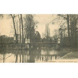 carte postale ancienne 78 LE VESINET. Animation sur Pont du Grand Lac 1915