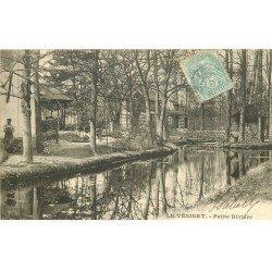 carte postale ancienne 78 LE VESINET. Petite Rivière avec Jardinier