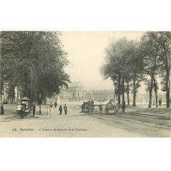 carte postale ancienne K. 78 VERSAILLES. Attelage nettoyeur de rues Avenue de Sceaux 1913 Kiosque à journaux