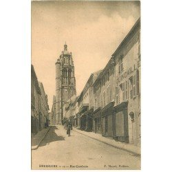carte postale ancienne 79 BRESSUIRE. Rue Gambetta
