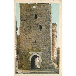 carte postale ancienne 79 THOUARS. Tour au Prévôt. Timbre Pétain 1943