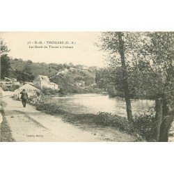 carte postale ancienne 79 THOUARS. Les Bords du Thouet à Crévant 1917 animation