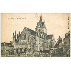 carte postale ancienne 14 FALAISE. Eglise de Guibray 1917 Militaires et Soldats