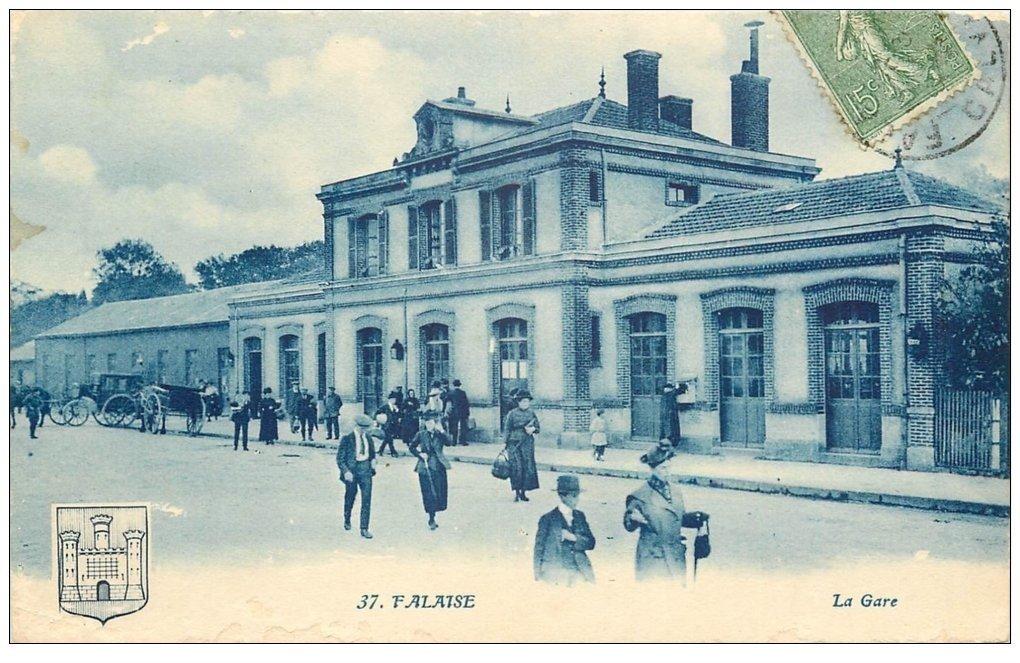 carte postale ancienne 14 FALAISE. La Gare 1921