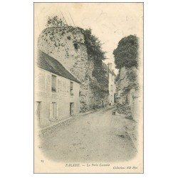 carte postale ancienne 14 FALAISE. La Porte Lecomte 1904. Verso vert amande