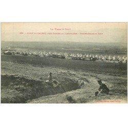 carte postale ancienne 81 CAMP DU CAUSSE. Personnages assis regardant les tentes militaires