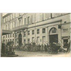 carte postale ancienne 81 CASTRES. Le Grand Hôtel le Personnel et nombreux Cabriolets vers 1900