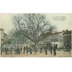 carte postale ancienne 81 LABRUGUIERE. Le Kiosque à musique Boulevard de la République Hôtel du Lion d'Or
