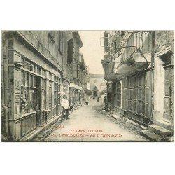 carte postale ancienne 81 LABRUGUIERE. Rue Hôtel de Ville. Coiffeur et Café