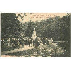 carte postale ancienne 81 MAZAMET. Jardin Public après Inauguration Monument Barbey 1909