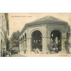 carte postale ancienne 82 MAS-GRENIER. La Halle avec Terrasse d'un Café