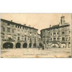carte postale ancienne 82 MONTAUBAN. Café du Centre Place Nationale. Tampon militaire 1917