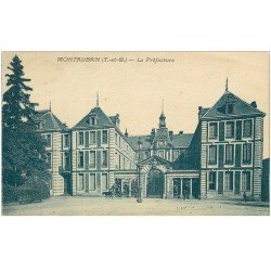 carte postale ancienne 82 MONTAUBAN. La Préfecture avec attelage 1934