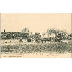 carte postale ancienne 82 REALVILLE. Gare des Marchandises expédition de Fourrages. Attelages de Boeufs et Wagons