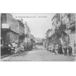 carte postale ancienne 82 VERFEIL-SUR-SEYE. Tabac Rue Principale grosse animation