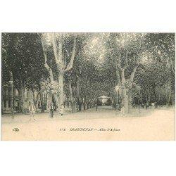 carte postale ancienne 83 DRAGUIGNAN. Allées d'Azémar animées 1915