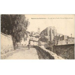 carte postale ancienne 83 HYERES LES PALMIERS. Vieille Ville et Eglise Saint-Paul