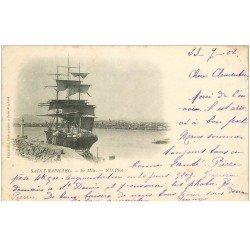 carte postale ancienne 83 SAINT-RAPHAEL. Le Môle ave Voilier Bateau Sardinier 1902