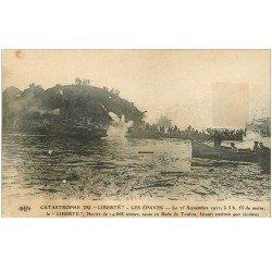 carte postale ancienne 83 TOULON. Catastrophe du Navire La Liberté après l'Explosion de 1911 en Rade