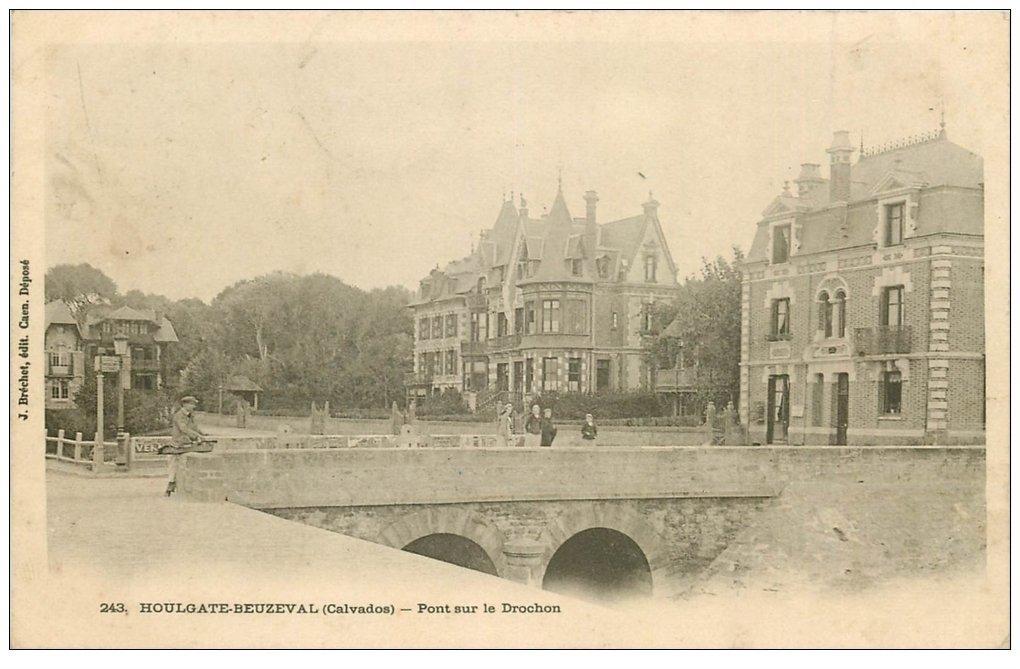 carte postale ancienne 14 HOULGATE. BEUZEVAL. Pont sur le Dronchon 1906