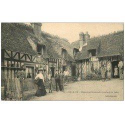 carte postale ancienne 14 HOULGATE. Chaumière Normande Chemin de la Vallée