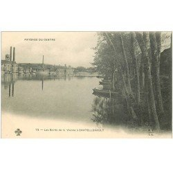 carte postale ancienne 86 CHATELLERAULT. Usines bords de la Vienne vers 1900