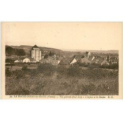 carte postale ancienne 86 LA ROCHE POSAY LES BAINS. Eglise et Donjon