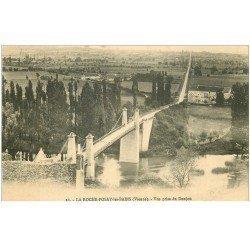 carte postale ancienne 86 LA ROCHE POSAY LES BAINS. Pont vu du Donjon