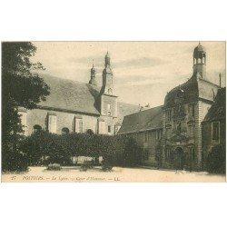 carte postale ancienne 86 POITIERS. Cour du Lycée 1917