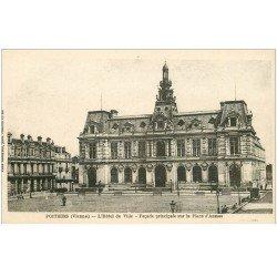 carte postale ancienne 86 POITIERS. Hôtel de Ville Place d'Armes