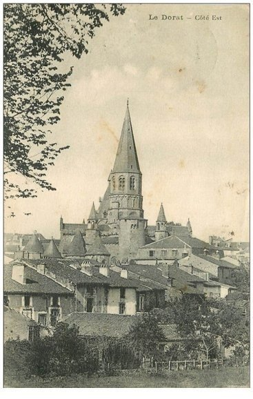 carte postale ancienne 87 LE DORAT. Clocher du Village 1930