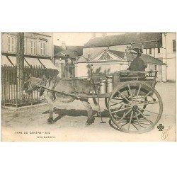 carte postale ancienne 87 LE LIMOUSIN. Une Laitière avec son attelage Ane 1903. Type du Centre Hôtel du Commerce et Café