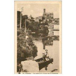 carte postale ancienne 87 LIMOGES. Personnage sur Barque bords de la Vienne et Cathédrale 1940