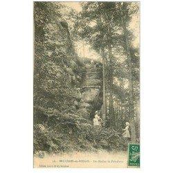 carte postale ancienne 88 BRUYERES EN VOSGES. Rochers de Pointhaye 1911 animation