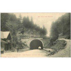 carte postale ancienne 88 BUSSANG. La Douane au Tunnel avec Douaniers