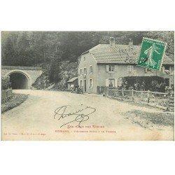 carte postale ancienne 88 BUSSANG. Le Tunnel et Attelage devant Auberge Mura