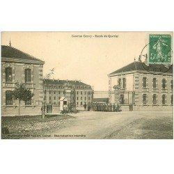 carte postale ancienne 88 EPINAL. Entrée du Quartier Caserne Courcy 1913 Militaires et Sentinelles en guérite