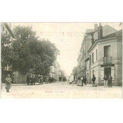carte postale ancienne 88 EPINAL. Nombreux Fiacres Rue Thiers 1902