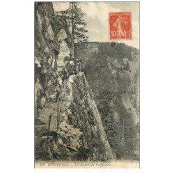 carte postale ancienne 88 GERARDMER. Animation aux Rochers du Krappenfels 1919 timbrée mais verso vierge