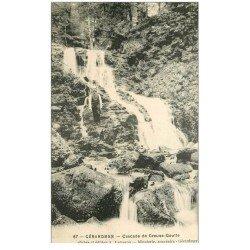 carte postale ancienne 88 GERARDMER. Cascade de Creuse Goutte avec personnage