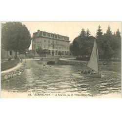 carte postale ancienne 88 GERARDMER. Embarcation Pont du Lac et Hôtel Beau Rivage