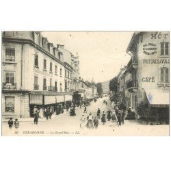 carte postale ancienne 88 GERARDMER. La Grand Rue Grand Bazar Central