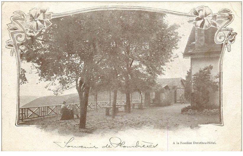 carte postale ancienne 88 LA FEUILLEE DOROTHEE. Le Val d'Ajol 1904 Hôtel femme assise et enfant