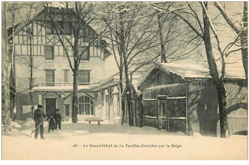 carte postale ancienne 88 LA FEUILLEE DOROTHEE. Le Val d'Ajol Grand Hôtel par la Neige