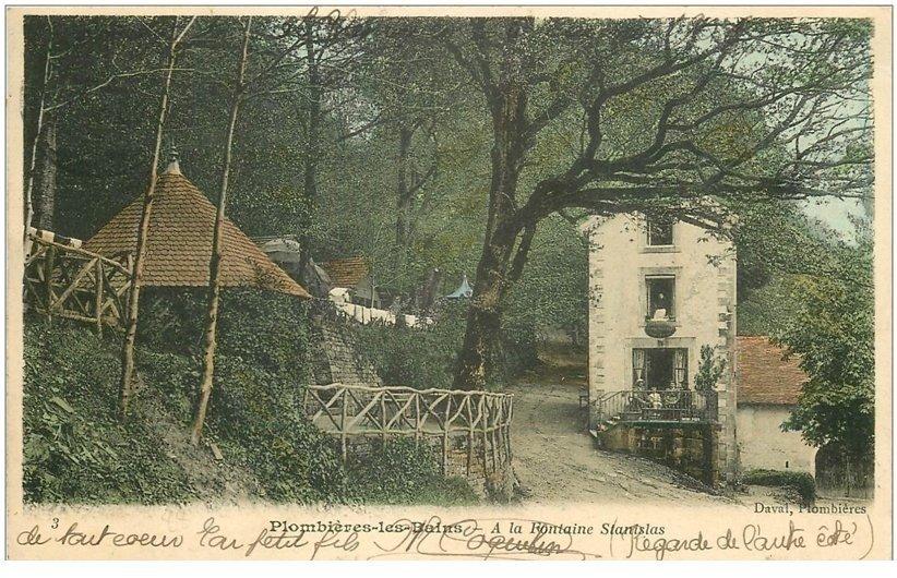 carte postale ancienne 88 PLOMBIERES LES BAINS. Animation Fontaine Stanislas 1906