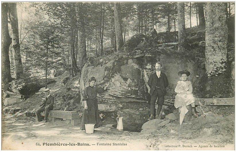 carte postale ancienne 88 PLOMBIERES LES BAINS. Fontaine Stanislas 1907 superbe animation