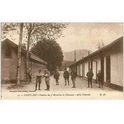 carte postale ancienne 88 SAINT DIE. Allée Caserne du 3 ème Bataillon de Chasseurs. Militaires et Soldats