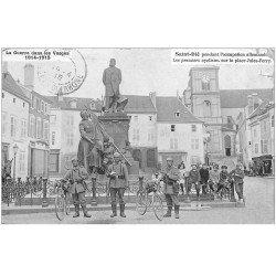 carte postale ancienne 88 SAINT DIE. Les premiers cyclistes Allemand Place Jules Ferry 1915