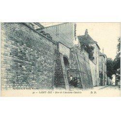 carte postale ancienne 88 SAINT DIE. Mur Ancienne Citadelle animation